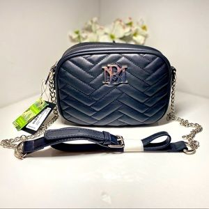 🆕 Badgley Mischka Camera Bag W/Slip Pocket